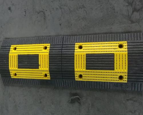 咸阳橡胶减速带